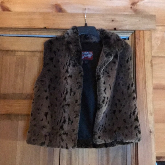 vintage valley Jackets & Blazers - Fake fur vest